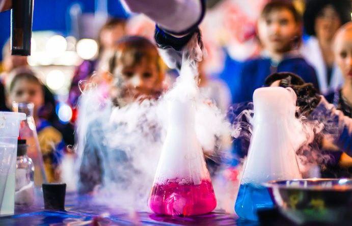 Праздничное занятие-шоу в детской Академии